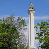 Монумент Георгию Победоносцу :: Александр Рыжов