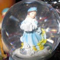 Девочка в шаре :: Дмитрий Никитин
