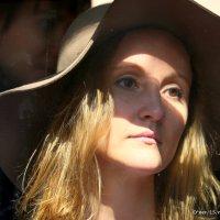 женский образ в окошке :: Олег Лукьянов