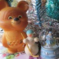 Мишка, Снеговик, Снегурка :: Дмитрий Никитин