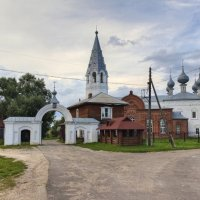 Воскресенская церковь в с.Елнать :: Константин