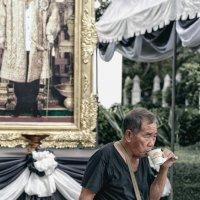 Бесплатный кофе от покойного императора :: Антон Бегеба