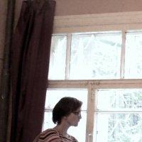 Женщина     у   окна :: Мила