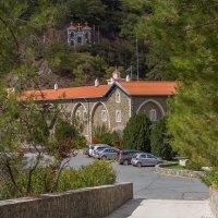Кикский монастырь о. Кипр. Вид снаружи. :: Андрей Самсонов