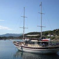 Утром на рейде под греческим флагом :: ponsv