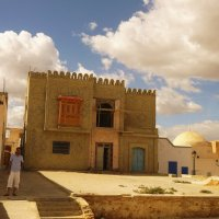 Старинная лавка около мечети :: Ольга Васильева