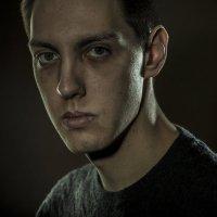 портрет молодого человека :: alexzonder