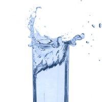 Всплеск воды в стакане. :: Станислав Хохолков