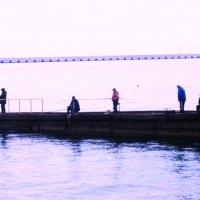 Рыбаки на море :: татьяна