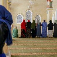 """в мечети (Из цикла """"Один день в Чечне"""") :: Алиса Колпакова"""