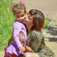 Материнская любовь самая крепкая и надежная... :: Владимир Ильич Батарин