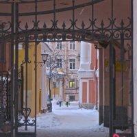 арка во двор :: Елена