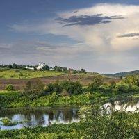 Пейзаж с монастырем и рекой :: Константин