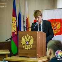 На выступлении в молодежном парламенте :: Виталий Краснов