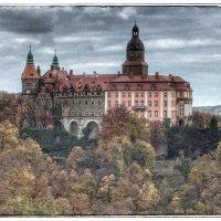 Вид на замок Ксенз :: Николай Милоградский