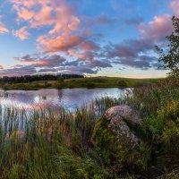 На берегу озера :: Фёдор. Лашков