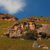 Следы цивилизации...в горах Малого Карачая :: Vladimir 070549