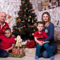 Новогодняя семья в студии :: Valentina Zaytseva