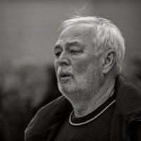 Седина в бороду , бес в ребро... :: Юрий Гординский