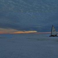 На льду Финского залива. :: Владимир Ильич Батарин