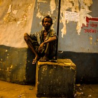 Sitting on a cube :: The heirs of Old Delhi Rain