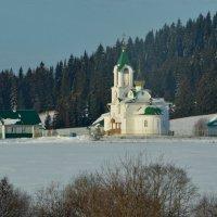 церквушка в деревне, :: Валентина Папилова