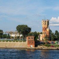 На берегах Невы :: Владимир Безбородов