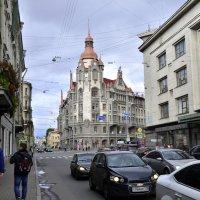 Прогулка по городу :: Viktor Pjankov