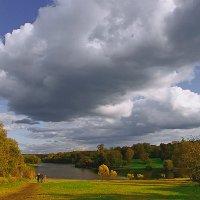 Царит в Кузьминском Парке Осень :: Vera Ostroumova