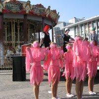 Танцевальный образ: Цветение японской сакуры в Днепре... :: Алекс Аро Аро