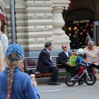 уличная жизнь :: Антонина Тыртышная (Гладких)