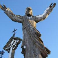 Гора крестов. Простирая милость... :: Людмила Жданова