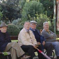 Итальянские пенсионеры :: Сергей Лошкарёв