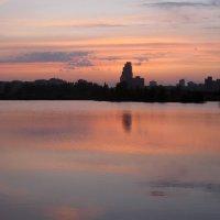Городское озеро :: Марина Голуб