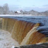 У водопада :: Зоя Коптева