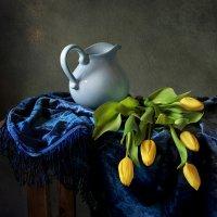 С тюльпанами :: Татьяна Еремеева