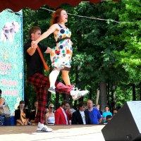 Танец :: Виталий Рыжков