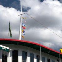 Флаги на мачте теплохода :: Valeria Ashhab