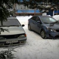 У дома :: Павел Галактионов