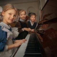 Школьники :: Наталья Шатунова
