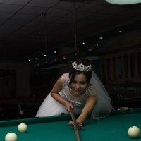 невеста в бильярдной :: Константин Непейвода