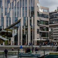 Современный торговый центр в Дюссельдорфе :: Witalij Loewin