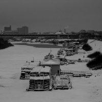 пристани в снегу :: Наталья Сазонова