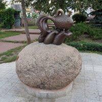Скульптура«Золотая рыбка» :: Наталья Джикидзе (Берёзина)