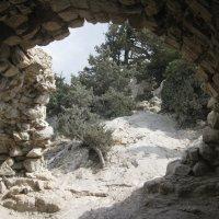 Греция. Родос. Развалины древней базилики. :: Лариса (Phinikia) Двойникова