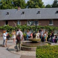 Внутренний дворик замка Терворм, Голландия :: Witalij Loewin