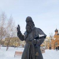 Памятник Митрополиту Андриану :: Наиля