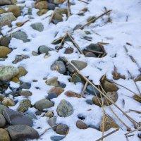 камни и снег :: Oksana Verkhoglyad