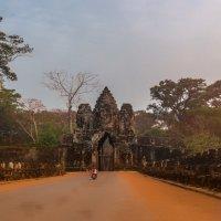 Утренний Ангкор-Ват...Камбоджа! :: Александр Вивчарик