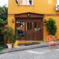 Маленький отель на тихой улочке :: Ольга Васильева